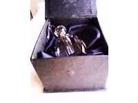 BRAND NEW UNIQUE ORIGINAL VERY GOOD REAL SPARKLING CRYSTAL LADY'S PARFUM BOTTLE IN IT'S BOX