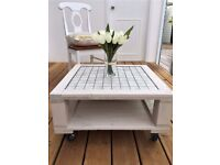 Rustic pallet coffee table with tiled top
