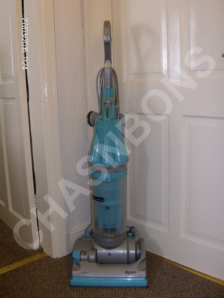 DYSON DC07 ALL FLOORS MULTI FLOOR BAGLESS UPRIGHT VACUUM CLEANER