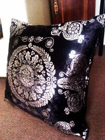 TRULY LOVELY VERY FASHIONABLE AND A VERY GOOD QUALITY VERY FIRM CUSHION