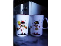 BRAND NEW ORIGINAL UNIQUE SET OF TWO MATCHING REAL GOOD QUALITY BONE CHINA MUGS FOR TEA OR COFFEE
