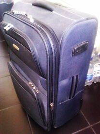 TRULY NICE LUXURIOUSLY GOOD QUALITY ORIGINAL TROLLEY SUITCASE