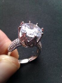 Gorgeous 925 Silver ring with simulated diamond