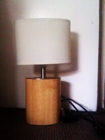 NICE VERSATILE LITTLE TABLE LAMP WITH SHADE AND ALL FITTINGS