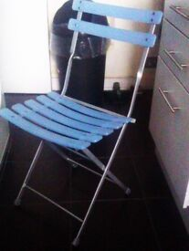 ONLY ONE VERY GOOD QUALITY HEAVY STURDY METAL VERSATILE FOLDING CHAIR