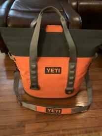 Yeti Hopper M30 With loading stick