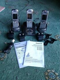 Panasonic Cordless Telephone/Answerphone with 2 Additional Handsets