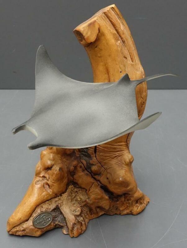 Vtg John Perry MANTA RAY Pellucida Sculpture w/ Medallion on Burl Wood stingray