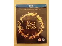 LORD OF THE RINGS BOX SET. INCLUDES 3 DVD'S. ONLY £11.00!