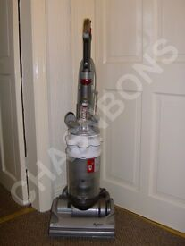 DYSON DC14 WHITE HEPA FILTER BAGLESS UPRIGHT VACUUM CLEANER