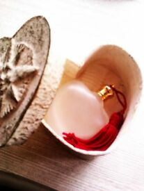 UNIQUE WAS LTD EDITION HEART SHAPED FROSTED GLASS LADY'S PARFUM BOTTLE IN A HEART BOX