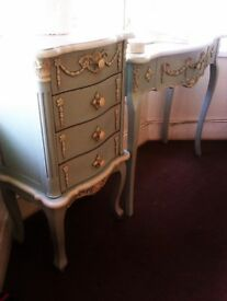 TRULY STUNNING ORIGINAL MATCHING REAL GOOD QUALITY WOOD SET OF DRESSING TABLE & CHEST, WARDROBE UNIT