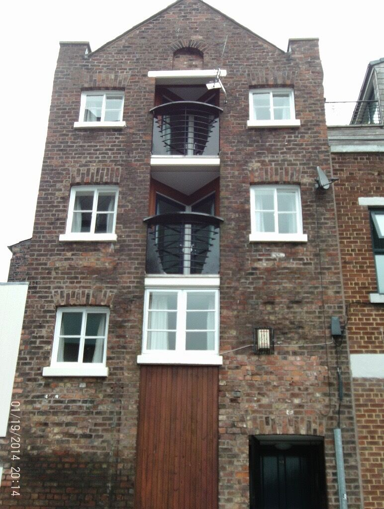 Henry Street, city centre - 4 bed furnished flat for professional sharers in central location