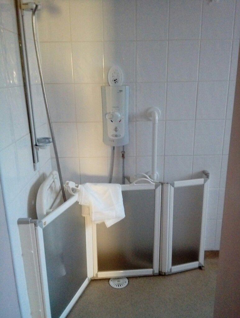 Disability shower screen. | in Tonypandy, Rhondda Cynon Taf | Gumtree
