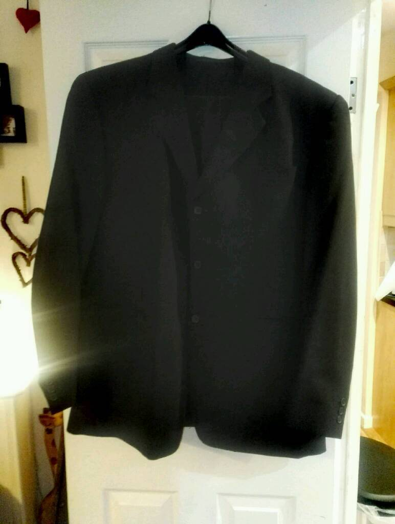 Mens black suit xl matching jacket and trousers with shirt worn once immaculate can deliver