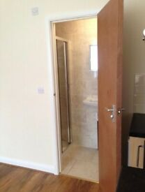 In GANTS HILL, IG2 6DL..Ensuite suite for just £744pm! AVAILABLE NOW ! (Bills Included)