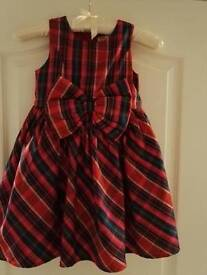 Beautiful girls Christmas dress 4-5