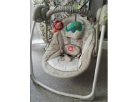 Baby swing by comfort harmony, practically brand new condition