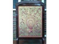 A LARGE VICTORIAN, MAHOGANY & TAPESTRY FIRE SCREEN.