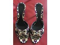 Gucci heels size 4