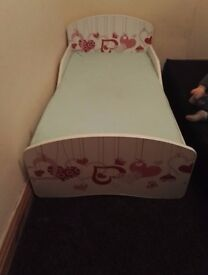 toddler bed with mattres
