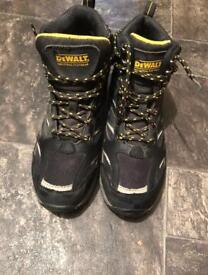Work boots barely used as new