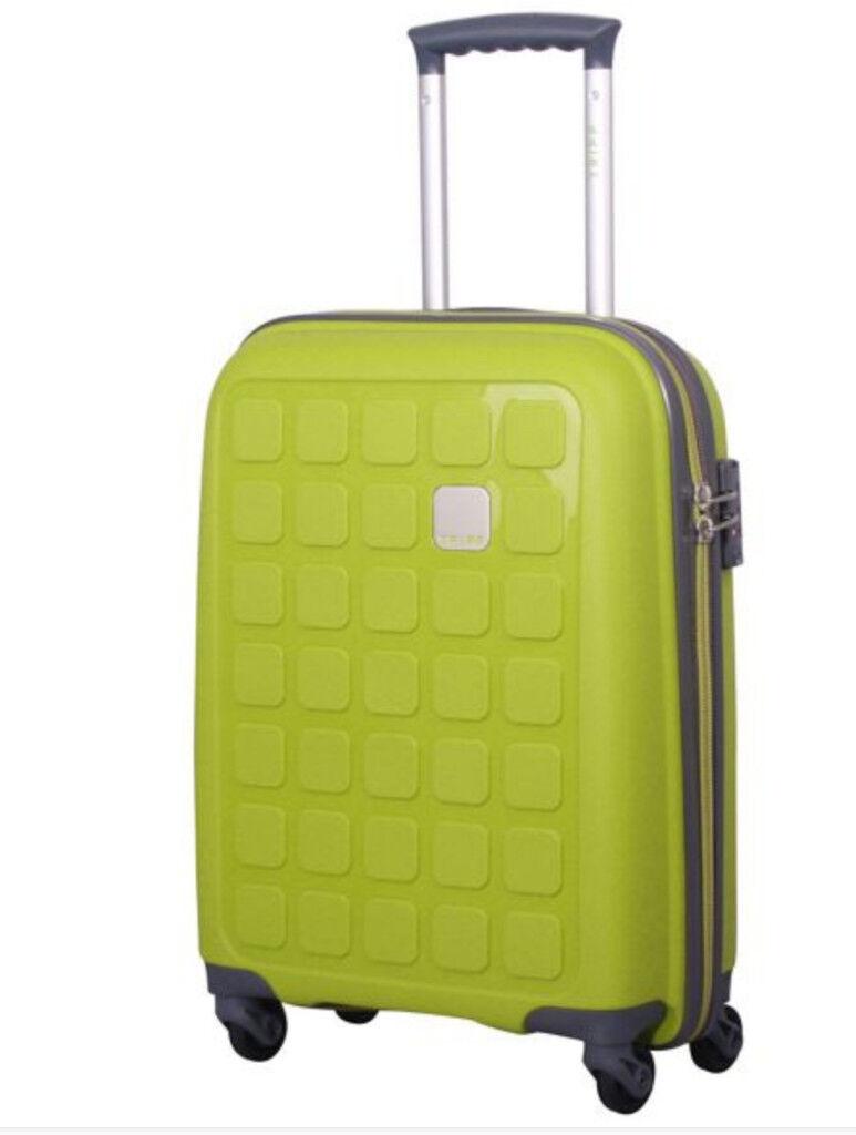 cabin suitcase tripp lime ii 39 holiday 5 39 cabin 4 wheel. Black Bedroom Furniture Sets. Home Design Ideas