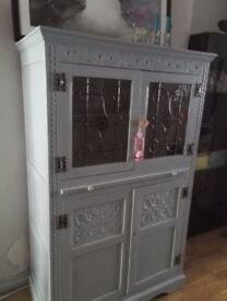 SOLID WOOD DRINKS CABINET