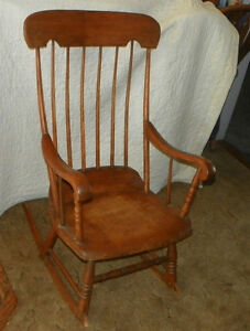 Antique oak rocking chair rocking chairs - Antique Oak And Maple Boston Rocker Rocking Chair R92