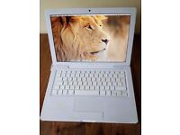 APPLE MACBOOK INTEL CORE 2 DUO 2.2GHZ 2GB RAM 500GB HDD WIFI WEBCAM BOXED