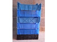 6 STACKING STORAGE TRAYS IDEAL FOR GARAGE OR SHED