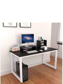 Computer desk nearly new