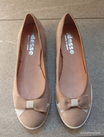 Adesso Taupe Leather Suede Flat Pump Shoes With Bow - Size 40 (6.5)