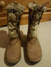 North Face Faux Fur Boots size 6 200g insulation