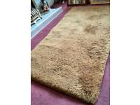 Deep pile 100% retro wool rug
