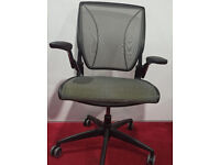 Humanscale diffrient World Ergonomic Office chairs Used like Brand New