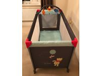 Travel cot Winnie the Pooh perfect condition