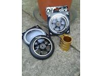 Brand new never been used chilly scooter wheels whith balck alloy core and gold chilly pro clamp!