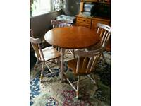 Stunning dining table +4 chairs. £75