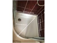 WALK IN SHOWER - SHOWER TRAY AND SLIDING DOORS - 6 MONTHS OLD - BRILLIANT CONDITION