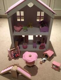 Rosebud Wooden Dolls House