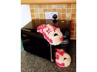 Bagpuss microwave slippers