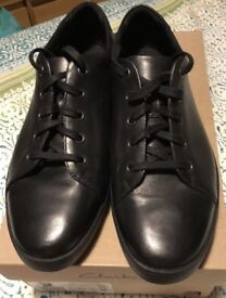 BRAND NEW IN BOX: Clarks black leather men's Stanway shoes - Size 10 or Size 11