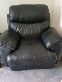 x2 lazy boy electric reclining chairs