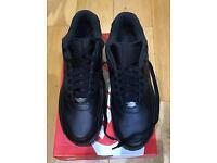 NIKE AIRMAX 90 BLACK LEATHER SIZE 10 ...AS NEW ...ONLY WORN ONCE
