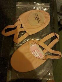 Ballet shoes size 3