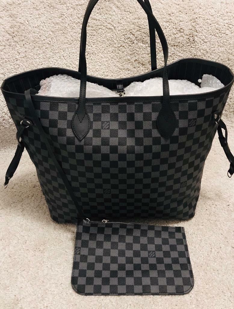 ff7841c89b42 Louis Vuitton bag for sale...