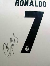 Cristiano Ronaldo signed Real Madrid shirt 16/17 with Coa