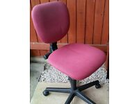 office chair, gas lift adjustable height. In good condition.