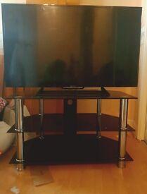 """Sony Bravia 40"""" HD + stand w/ Sony PS4"""